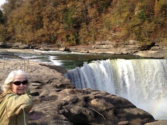 Cumberland Falls State Resort - Dupont Lodge : Breathtaking!