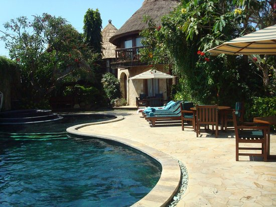 Dewani Villa: pool area