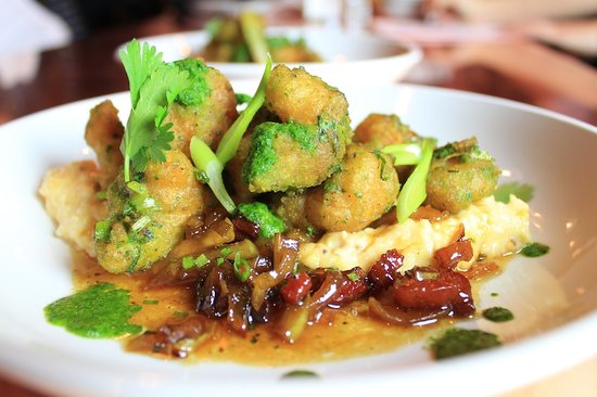 Bootleggers : Crispy Rock Shrimp with Antebellum Grits