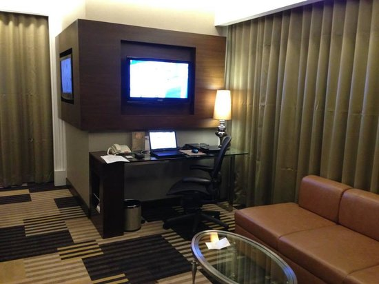 Landmark Bangkok: Nice Spacious & Modern Room