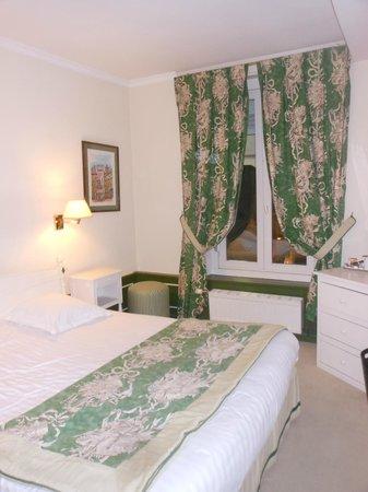 Hotel de l'Univers: Room 207