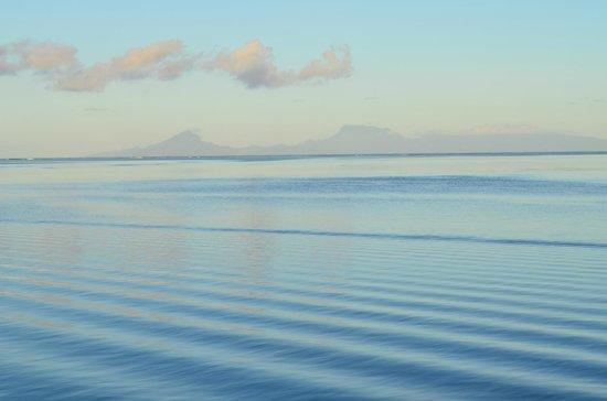 Royal Huahine : morning light