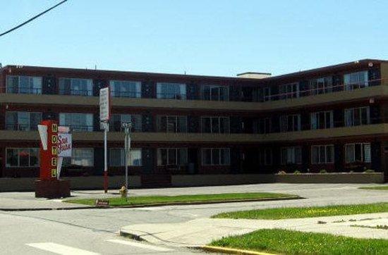San Juan Motel: Exterior View
