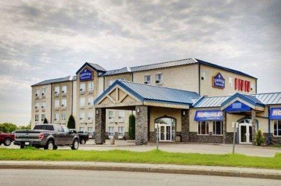 Lakeview Inns & Suites - Fort Saskatchewan: Exterior