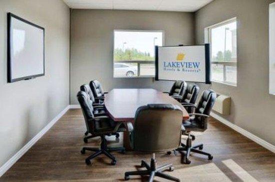 Lakeview Inns & Suites - Fort Saskatchewan: Meeting Room
