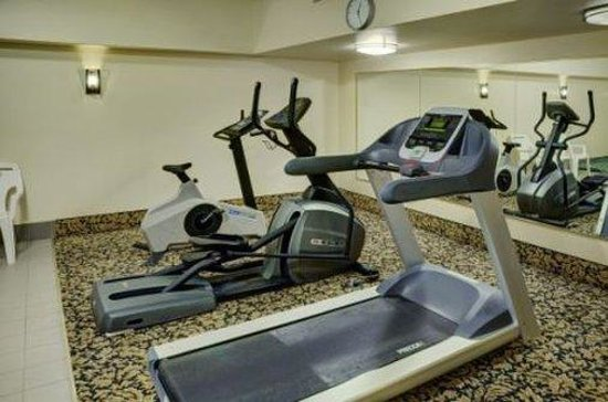 Lakeview Inns & Suites - Hinton: Fitness Centre