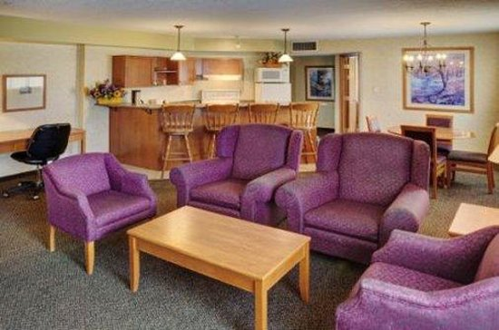 Lakeview Inns & Suites - Hinton: Specialty Two Queen Bedded Suite