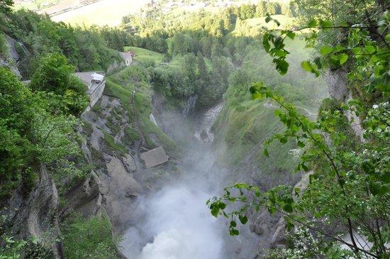 Reichenbach Falls: бездна