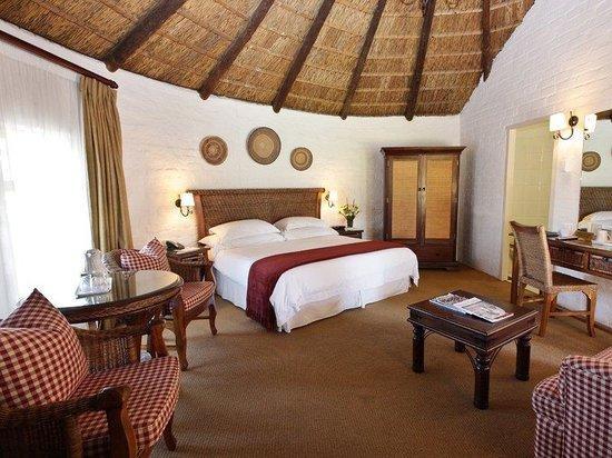 Protea Hotel by Marriott Oudtshoorn Riempie Estate : Superior Room