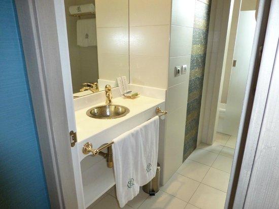 Hotel Marques de la Ensenada : Baño de la habitación