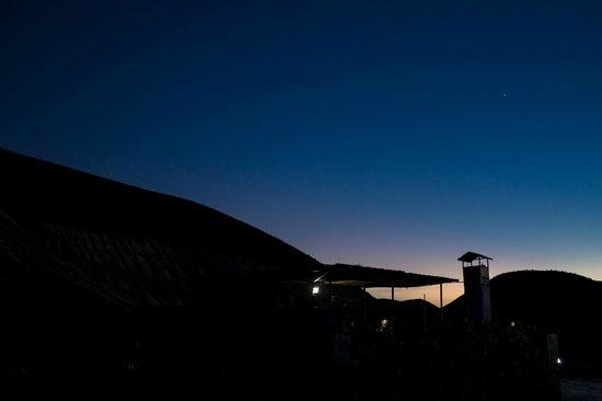 Refugio Romano: Atardecer en la terraza y la primera estrella de la noche :)