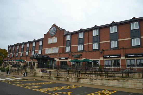 Village Hotel Coventry: Hotel Front