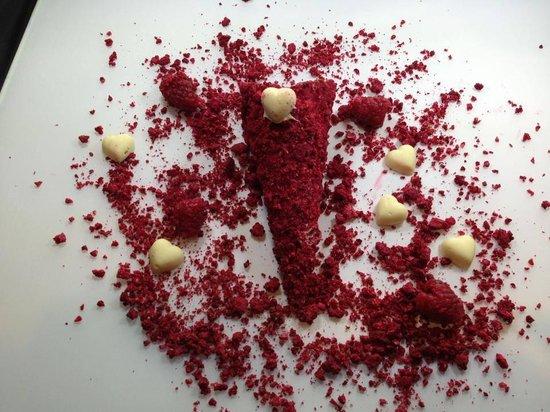Giapo: Creating the Raspberry De Luxe Cone