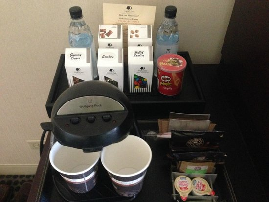 Doubletree by Hilton Chicago Magnificent Mile: mini bar