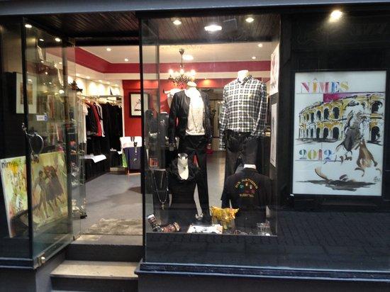 Boutique taurine Sol y Sombra, Nimes