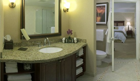 Residences at Sun Peaks Grand: ensuite bathroom 1