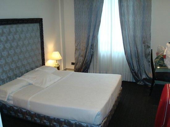 Hotel Ercilla Lopez de Haro : habitacion