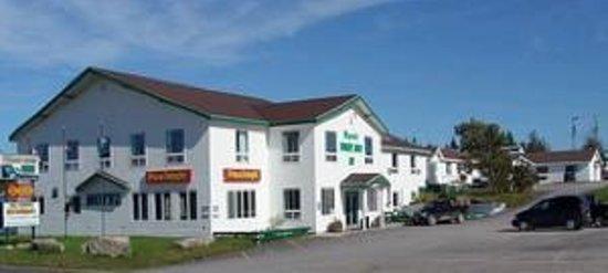Maynard's Torrent River Inn