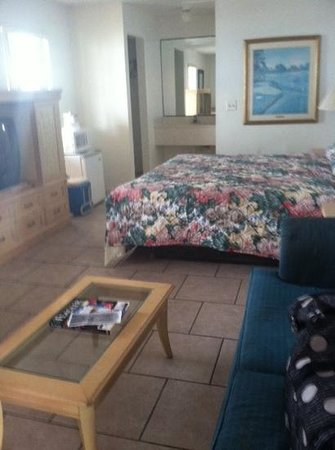 Ocean Front Motel: room 19 has king bed & micro/fridge. ocean front view!!