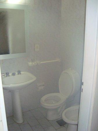 Hotel Rio: el inodoro queda justo bajo la bacha