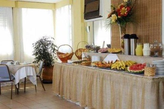 Rio's Nice Hotel: Breakfast Area