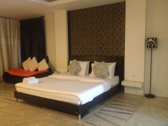Surintra: the room3