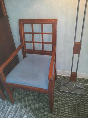 Senator Inn & Spa: Again with the chairs!