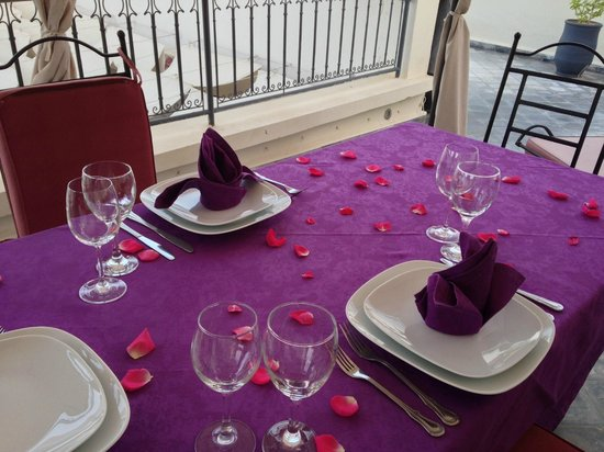 Riad D'ari : Rooftop setup for dinner