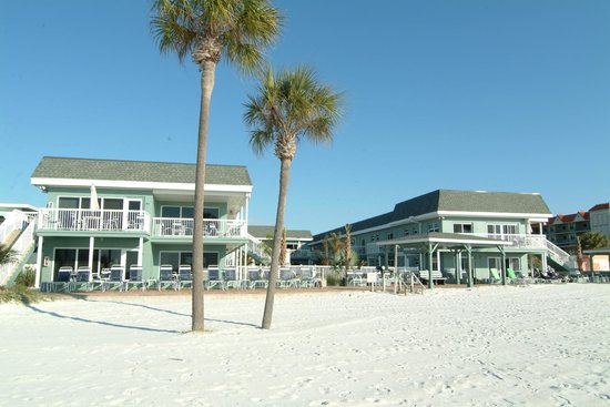 Mariner Beach Club: View from the Beach