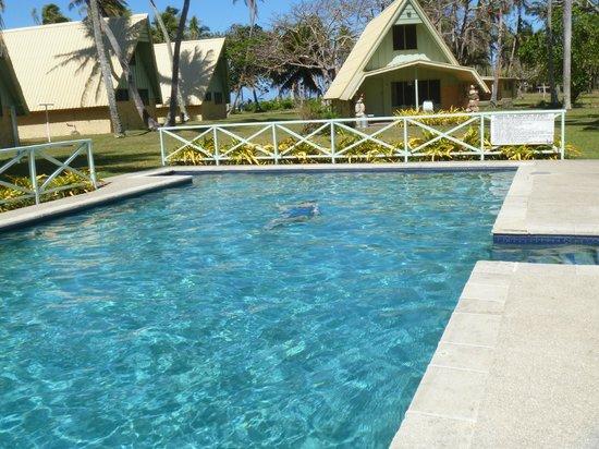 Tubakula Beach Bungalows : Pool