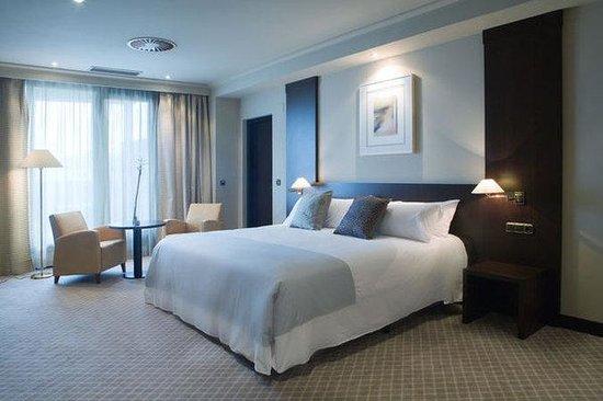 โรงแรมทริพ โอเบียโด
