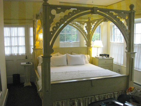 Brass Key Guesthouse: Bedroom of Room 152 Queen Anne