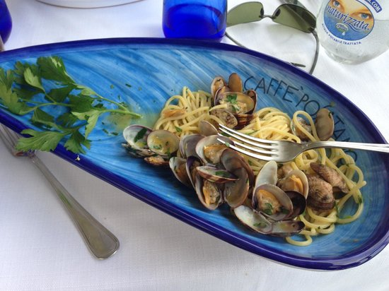 Caffè Positano : Not to be missed - their spaghetti alla vongole!