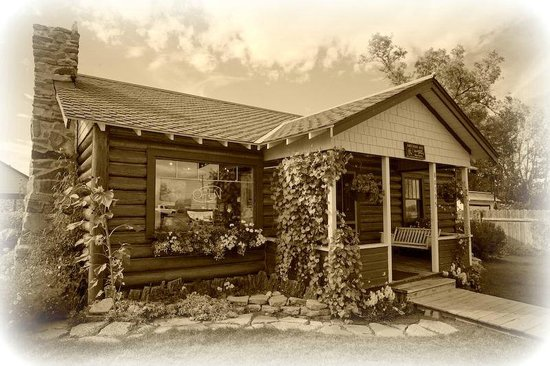 The Coffee Pot Bakery Cafe: The Little Log Cabin