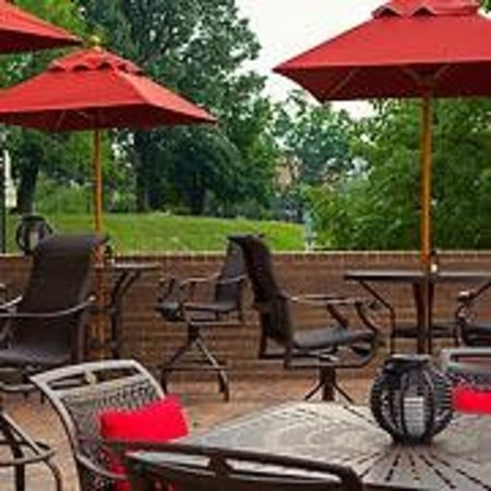 The University Club at Towson: University Club - Outdoor Patio