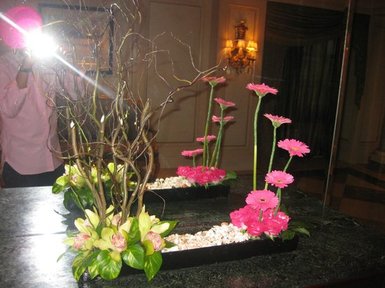 Four Seasons Hotel Cairo at the First Residence: más detalles lujosos con flores frescas