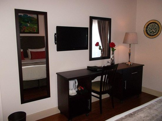 Oakhurst Hotel: Guest Room
