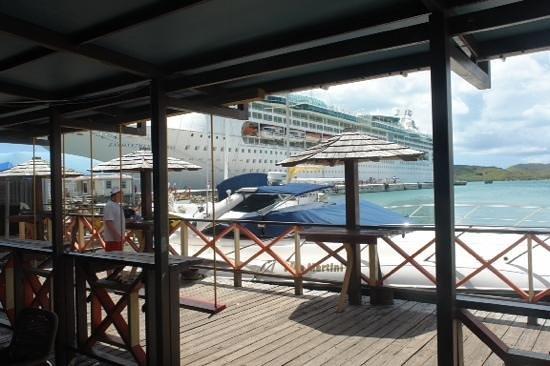 Coast Bar : view your Ship