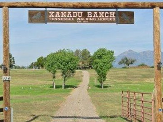 Xanadu Ranch GetAway / Private Guest Rooms / Guest Ranch & Horse Motel : Bestfrontgate Open Nopeople