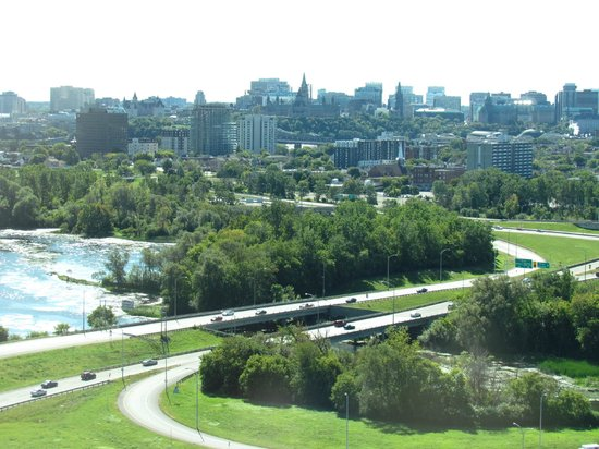 Hilton Lac-Leamy: View of Ottawa from Presidential floors.