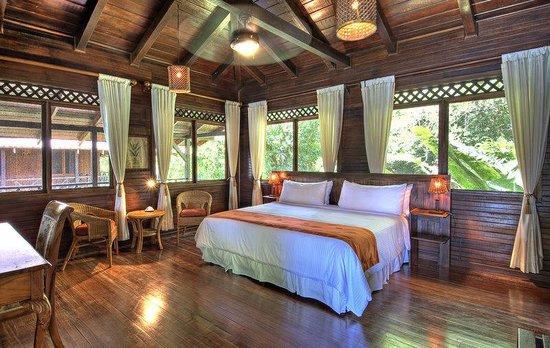 Tortuga Lodge & Gardens: River View Upstairs Balcony Room