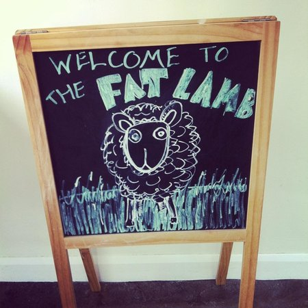 Fat Lamb Country Inn and Restaurant: Welcome to the fat lamb
