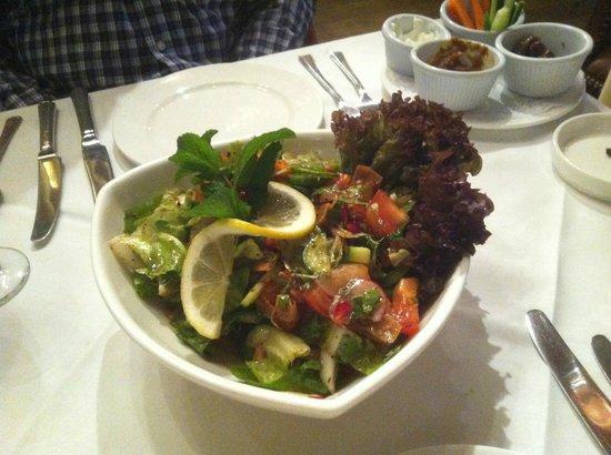 Sidi Maarouf: Fattoush salad
