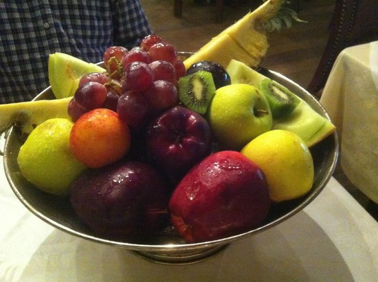 Sidi Maarouf: Fruit bowl