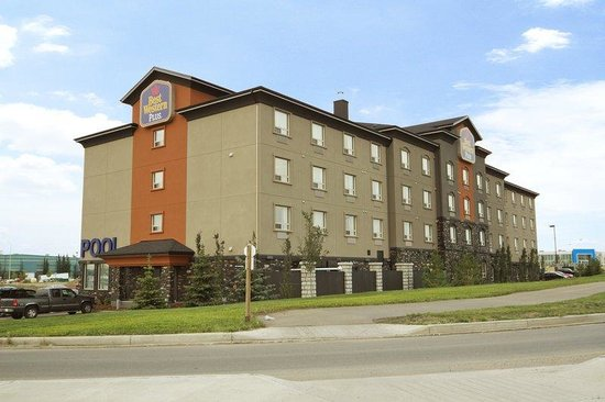 Best Western Plus Sherwood Park Inn & Suites : Exterior