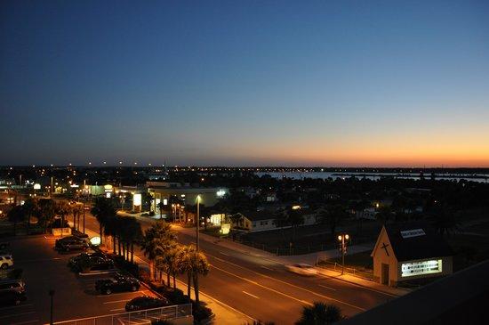 Hampton Inn Daytona Shores - Oceanfront : City View