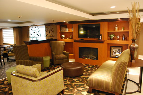 Best Western Plus Glenview-Chicagoland Inn & Suites: Lobby