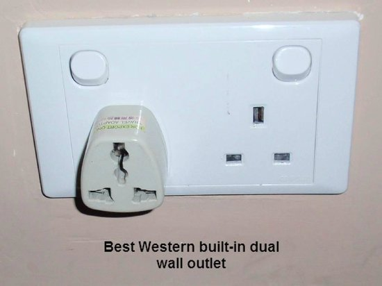 BEST WESTERN Hotel Harbour View: Convenient dual wall socket