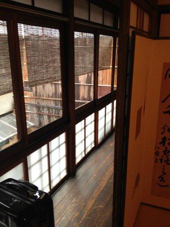 Inn Kawashima: couloir privé le long de la chambre