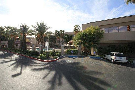 Fortune Hotel & Suites: Exterior